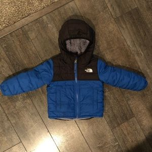Toddler boys reversible north face jacket
